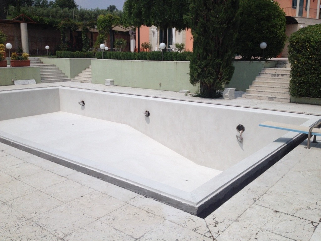 Costruzione piscine in vetroresina - Cerco piscina fuori terra ...